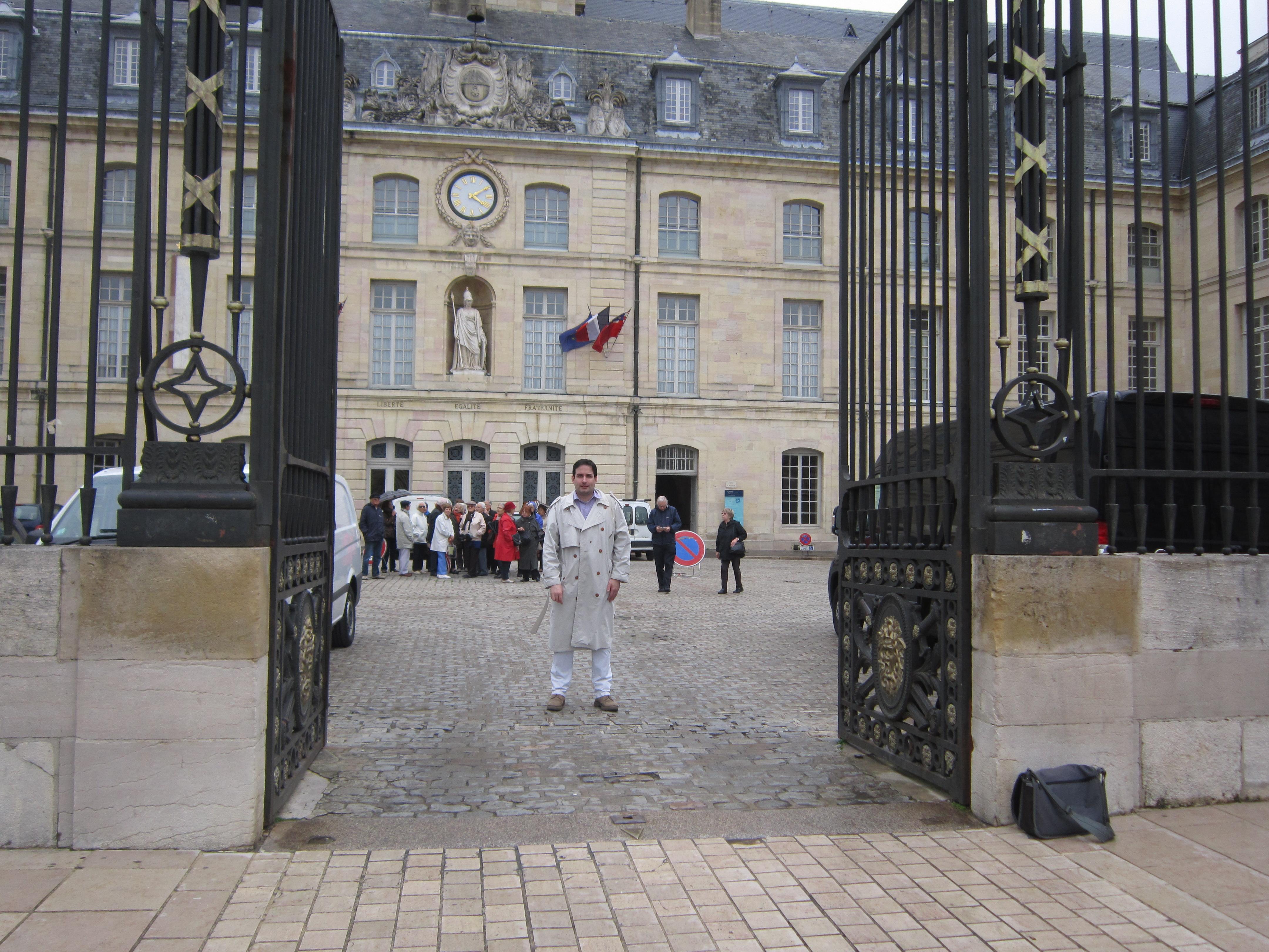 James Hôtel de Ville 280513