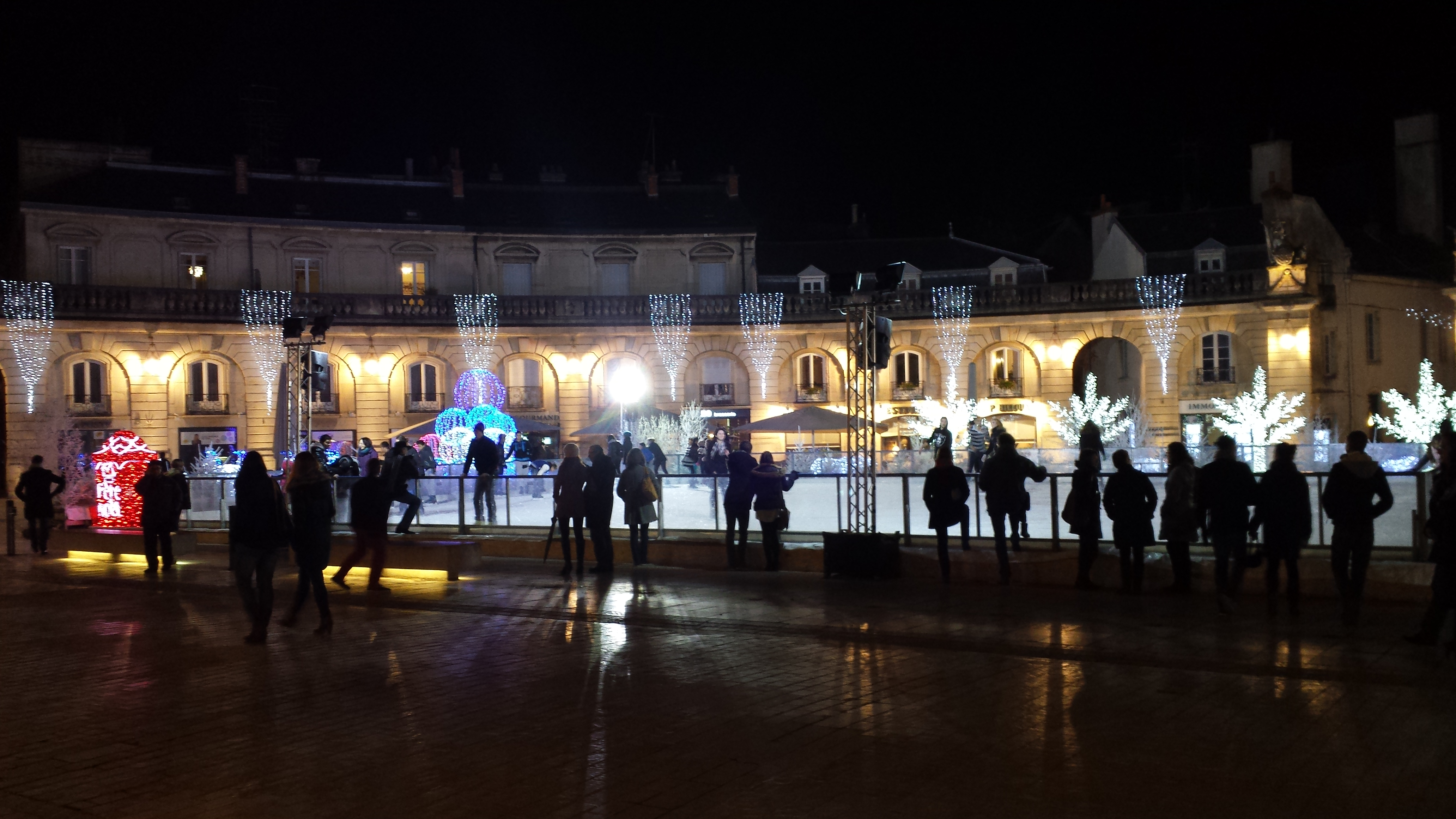 Br ves d actu 53 du 11 11 13 au 31 12 13 james belaud - Marche aux puces dijon ...