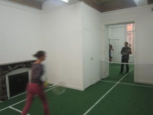 52Vernissage exposition Interface Tennis en appartement 200914 (2)
