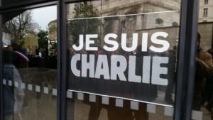 Rassemblement Je suis Charlie Devant Mairie 100115 (3)
