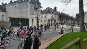 Vélorution Place Séraucourt 110415 (1)